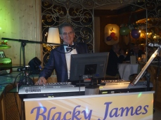 Blacky James am Keyboard